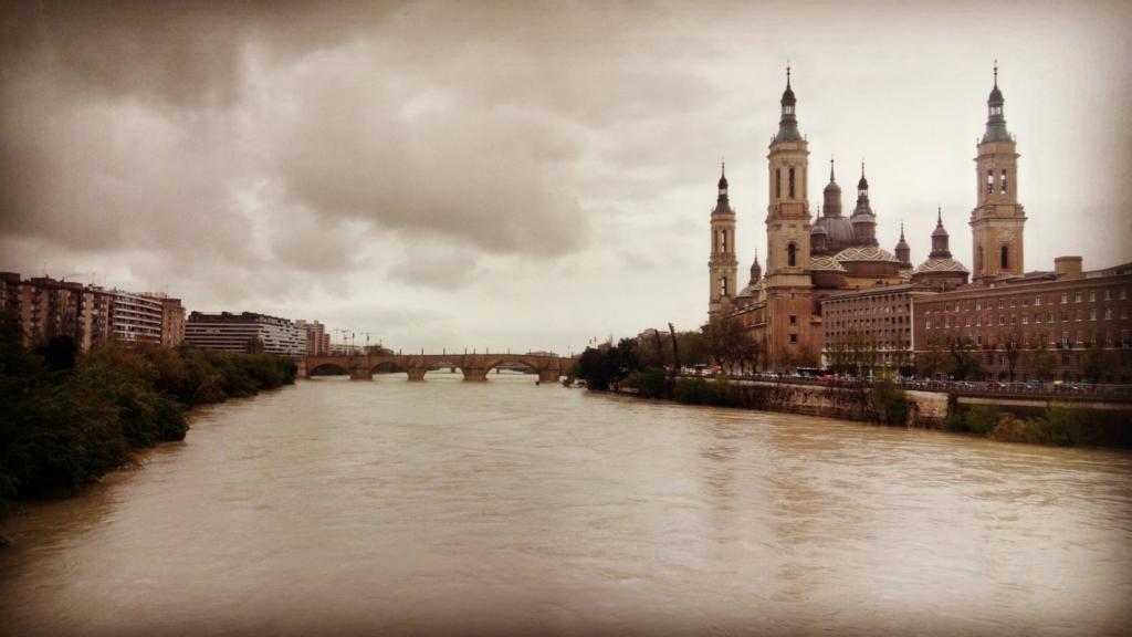 Cuando el río Ebro crece…