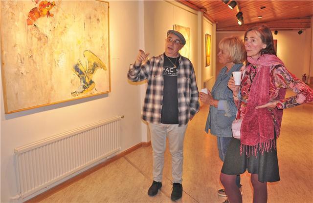 Juan Luis Borra en una exposición